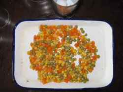 Свежие овощи консервированные овощи смеси (морковь, сахарная кукуруза, зеленый горошек)