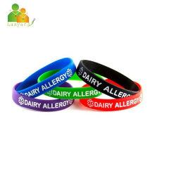 La banda de caucho de silicona pulseras con parche de metal de aluminio, regalos promocionales con personalizar el color/Logo