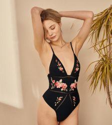 Sade' Swimsuit decorativos com faixa elástica e Fancy Bordados Maiôs