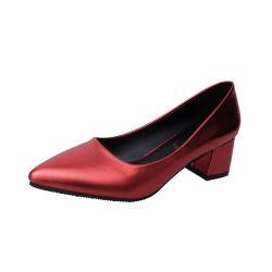 女性のスリップオンはポンプ5cmハイヒールの女性パテント・レザーのプラットホームによって指されるつま先の単一の靴のがっしりしたかかとの女性の服靴Esg14043に蹄鉄を打つ