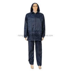 170t 190t 210t personalizzano il PVC di base del poliestere che ricopre l'indumenti impermeabili riflettente esterno di sicurezza