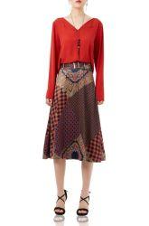 Il pullover casuale di modo su ordine P1704-0111 supera la camicetta rossa del V-Collo