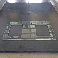 Высокое качество стекла с ЧПУ работает Центр с высокой скоростью обработки кромки стекла всех форм.