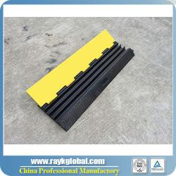 Rubber Beschermer Drie van de Kabel het Product van de Verkeersveiligheid van het Kanaal Voor Verkoop