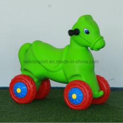 Les enfants Jouets en plastique à bas prix des animaux pour la vente de voiture Mini voiture jouet en plastique de la maternelle