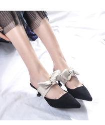 Los recién llegados a las mujeres cómodo puntiagudas mulas Backless satinado Toe Flats zapatillas zapatos mocasines zapatos sexy vestido mulas Mujeres