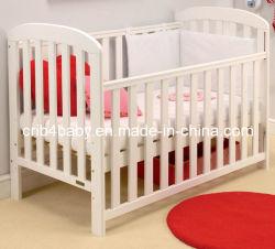 كلاسيكيّة خشبيّة [ببي كت] سرير
