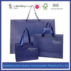 De KleinhandelsBoodschappentassen van de luxe voor het Winkelen de Kosmetische Giften die van de Kledingstukken van Schoenen de Zakken van het Handvat van het Document verpakken