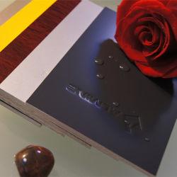 Твердый цветной металлической поверхности покрытие для акт декоративных материалов