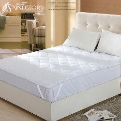 Hotel protector de colchón está equipado con 200 gramos de fibra hueca