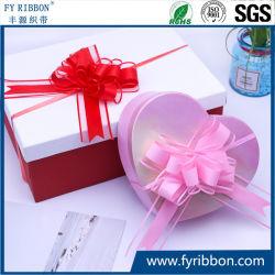 Подарочной упаковки блеском и Organza букет потяните дуг