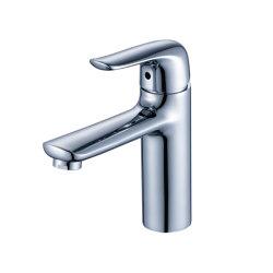 Flg Chrome под струей горячей воды в ванной комнате судна бассейна коснитесь одной ручкой