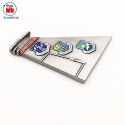 Высокое качество пользовательских металлический логотип Debossed эмаль эпоксидная смола военный флот - главный вызов монеты с пластиковых коробок
