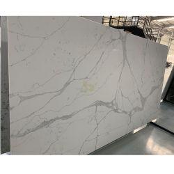 La surface polie Comptoir de cuisine/table/Vanitytop Calacatta blanc/Crarra artificielle Quartz dalle de pierre/tuiles