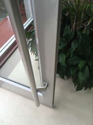 Certer Topbright de bonne qualité de l'aluminium porte en verre Withtermpered de pivot