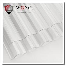 Toiture en polycarbonate clair en carton ondulé