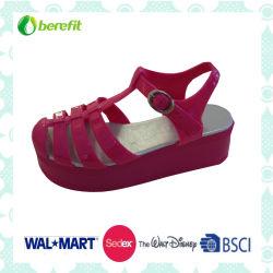 Обувь из ПВХ с единственной Wegde доступны различные цвета