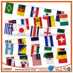 Во всех странах строки разных национальных флага бунтинг флаг