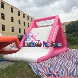 펀 워터 월드 놀이공원 플로팅 핑크 트라이앵글 물 슬라이드 등반, 자유 폭포, 미끄럼틀