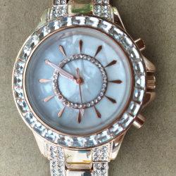 Мода часы ювелирные изделия закрывается Gold дамы запястья подарочные часы (CM0015)