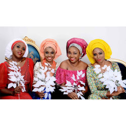 Traditionnelle Africaine pour la femme nigériane Headtie Gele Gele bandeau Turban déjà fait l'Aso Oke Gele Headtie