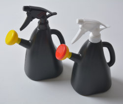 植木鉢のプラスチック金属の園芸工具の水まき缶の園芸工具