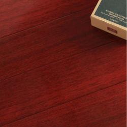يد [وتر-برووف] يكشط صلبة [مربو] أرضية خشبيّة مع [س]