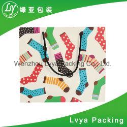 Sacco di carta riciclato che appende con il sacchetto di acquisto di carta impaccante del sacchetto del pattino della maniglia