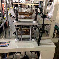 Double couche haute vitesse automatique PE PEBD sac en plastique jetables en PEHD Glove Making Machine gant en plastique Making Machine de découpe pour l'alimentation / médicaux