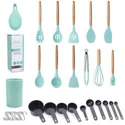ツールのセットされる木のハンドルのシリコーンの台所道具を調理する台所アクセサリの小道具