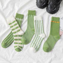 Diseño lindo de la mujer de algodón Casual calcetines de la tripulación de un tamaño se adapta a todos los regalos para mujer
