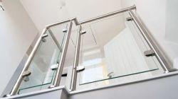 OEM/ODM metalen roestvrijstalen Balustrade/Baluster/leuning/reling met glazen klem voor Balkon/Spiral Stairs/Indoor Stairs by China Factory