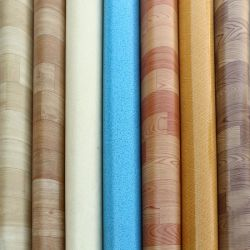 Espuma de PVC Revestimiento de suelos de vinilo de alta calidad Precios baratos de alfombra rollos