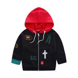櫛の綿の羊毛のプリントおよび刺繍のジッパーのHoodieの子供のジャケット