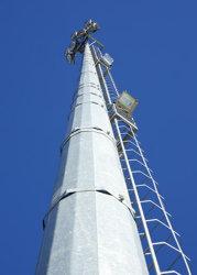 Antena de radio de 24m Torres Microondas Monopole polos
