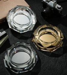 18cm 創造的な Octagon の煙るガラスのアクセサリーの昇進のギフトのガラス食器の水晶 灰皿ガラス工芸品