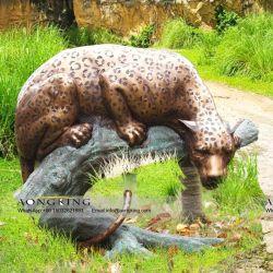 Op maat gemaakte Amur Animal Sculpture op Trunk for Outdoor Garden