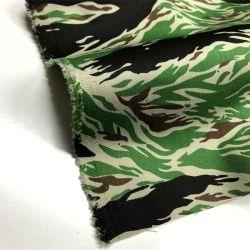 Haute solidité des couleurs de la CVC Camouflage vert pour la veste en tissu