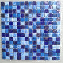 China Factory 20x20mm Schwimmbad und Bodenwand Fliesen Blau Farbe Golden Line Hot Melt Glas Mosaik