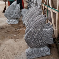 庭の装飾のための石造りの魚を切り分ける花こう岩の彫刻