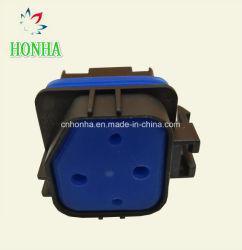 高品質4 Pinの防水自動リレーソケットのコネクター