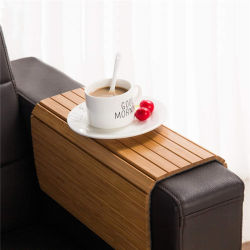タケソファー表の飲み物のコースターのカップ・ホルダーのスナックの皿