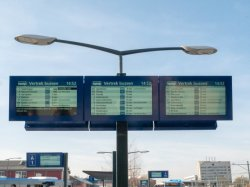 32inch openlucht Aan de muur bevestigde Hoge LCD van de Helderheid Androïde Digitale Signage van de Vertoning van het Scherm voor de Post van de Metro van de Bus