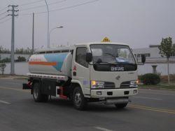 De Tankwagen van de olie