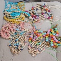 Multi-Colored mayorista collar de abalorios de ganchillo a mano