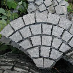 Outdoorの庭Paving/Cubes/Cobblestone/Cobblesのための炎にあてられたG684 BlackかGrey Granite