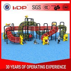 Apparatuur van de Speelplaats van de veiligheid de Kleurrijke Openluchtdie, in School wordt gebruikt