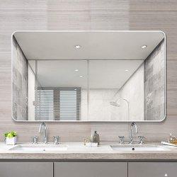 現代ホーム装飾の贅沢な内部の浴室の通路のための銀製アルミニウム長方形の金属フレームミラーの壁ミラー