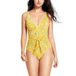 Mode féminine Daisy imprimé floral tasse à coudre avec noeud sur le contrôle de ventre de maillots de bain avant
