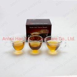 Изолированный Shot чашку чая стеклянной посуды